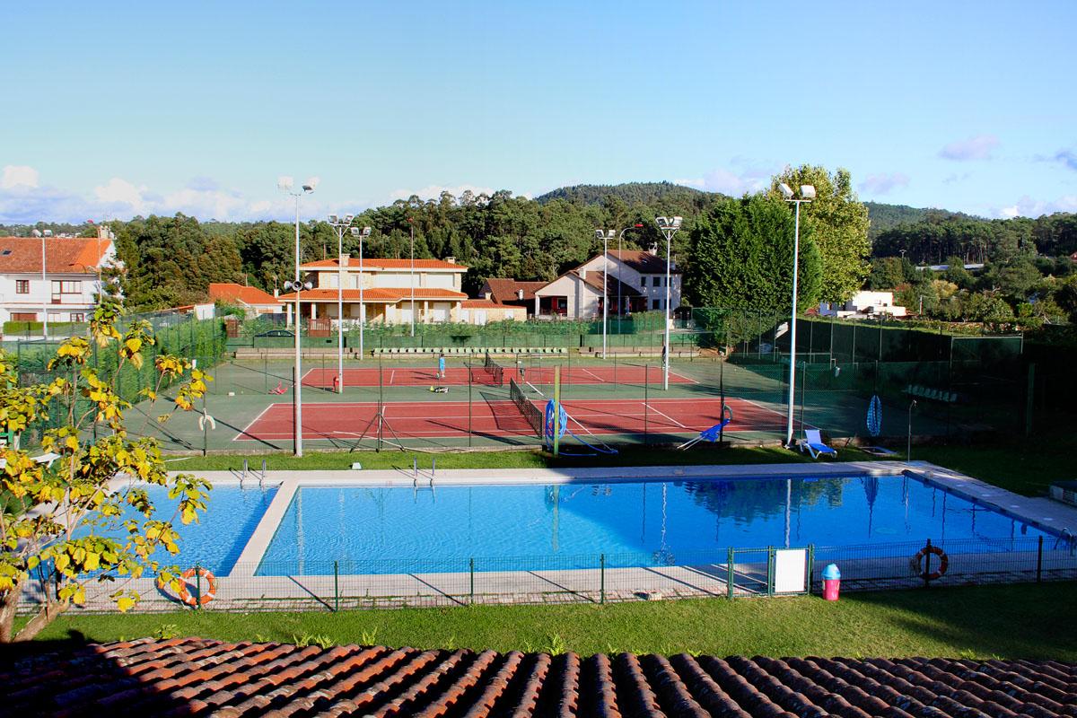 Piscina club de tenis el rial1 club de tenis o rial for Piscina de microfibra